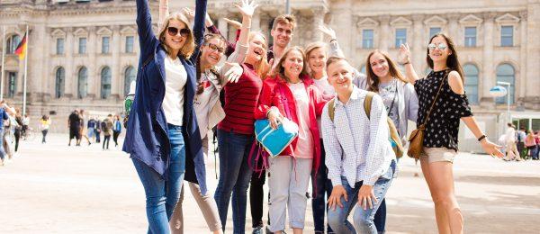 Школярі в Європі
